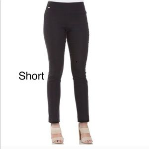 Women's IZOD Black Fitted Pull-On Pants